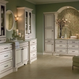 Homecrest_Cabinetry_alpine_white_bathroom_cabinets.jpg