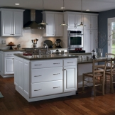HomeCrest_Cabinetry_white_thermofoil_kitchen_cabinets.jpg