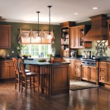Homecrest_Cabinetry_traditional_cherry_kitchen_cabinets.jpg