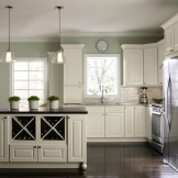 HomeCrest_Cabinetry_off_white_painted_kitchen_cabinets_in_french_vanilla_2.jpg